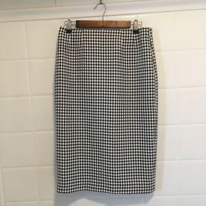 Jones studio houndstooth pencil skirt size 4
